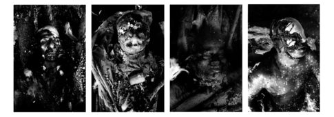 Portraits de dépouilles sur le bûcher.